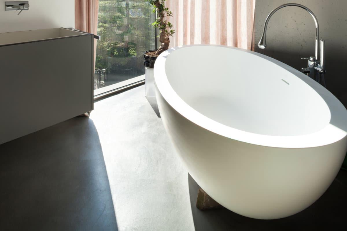 Beton Ciré Salle De Bain sol en béton dans la salle de bain : possibilités et prix